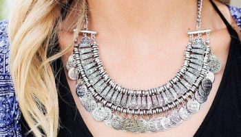 how-to-use-jewelry-to-improve-your-outfit