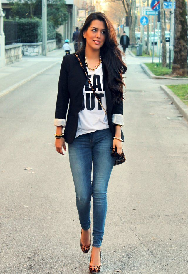 Black blazer ,Skinny Jeans, tee shirt , and leopard print shoes