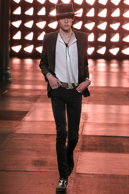 Photo: Gianni Pucci / Indigitalimages.com print email look 40 Spring 2015 Menswear Saint Laurent