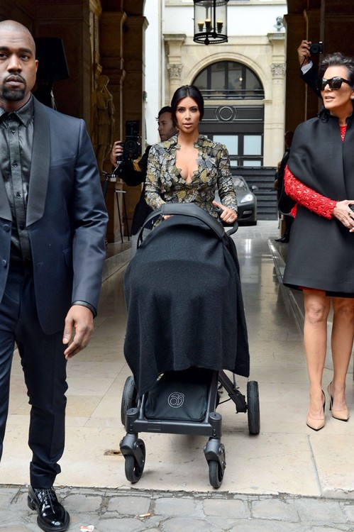KARDASHIANS-IN -PARIS