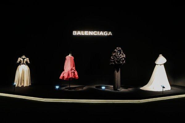 balenciaga-unveils-china-exclusive-looks