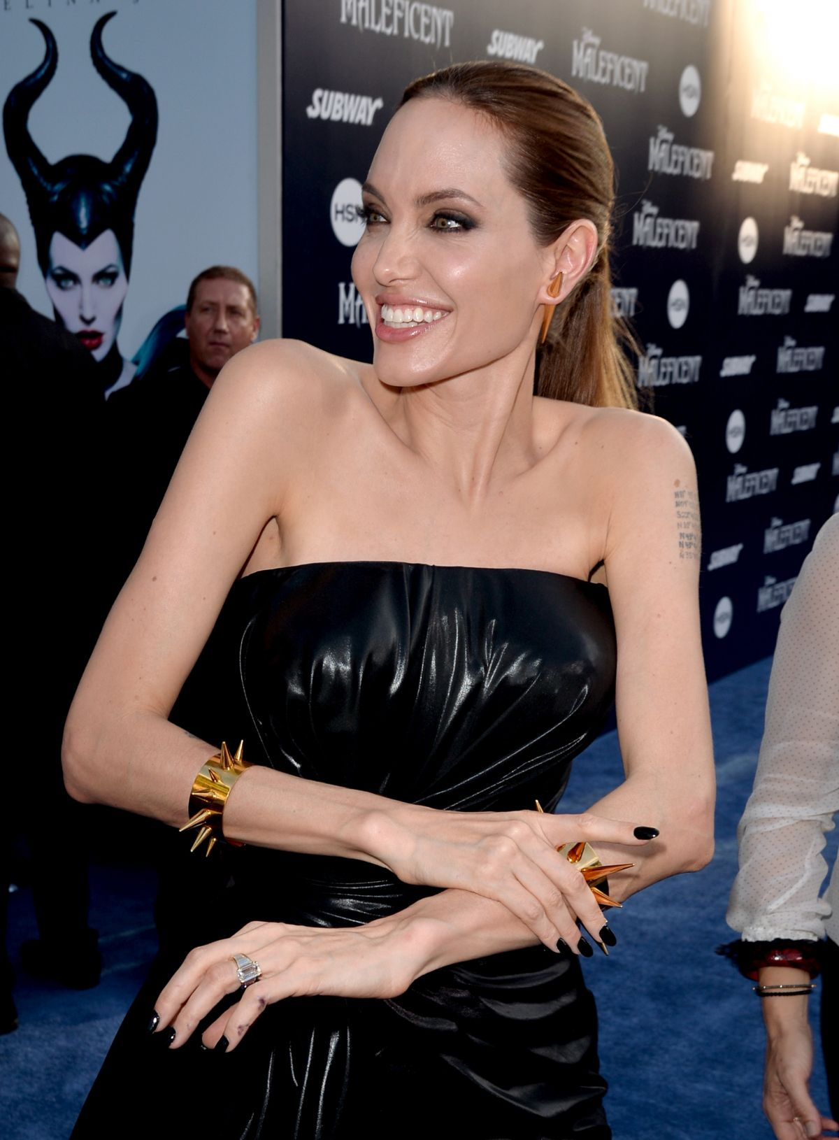angelina-jolie-at-maleficent-premiere-in-hollywood_1