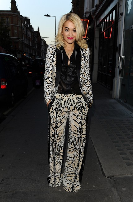 rita-ora-and-roberto-cavalli-resort-2013-animal-print-suit-g-z